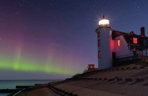 Point Betsie Lighthouse, Lake Michigan; John McCormick / Shutterstock.com