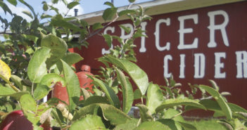 """Spicer Orchards <span class=""""subtitle"""">All About Family</span>"""